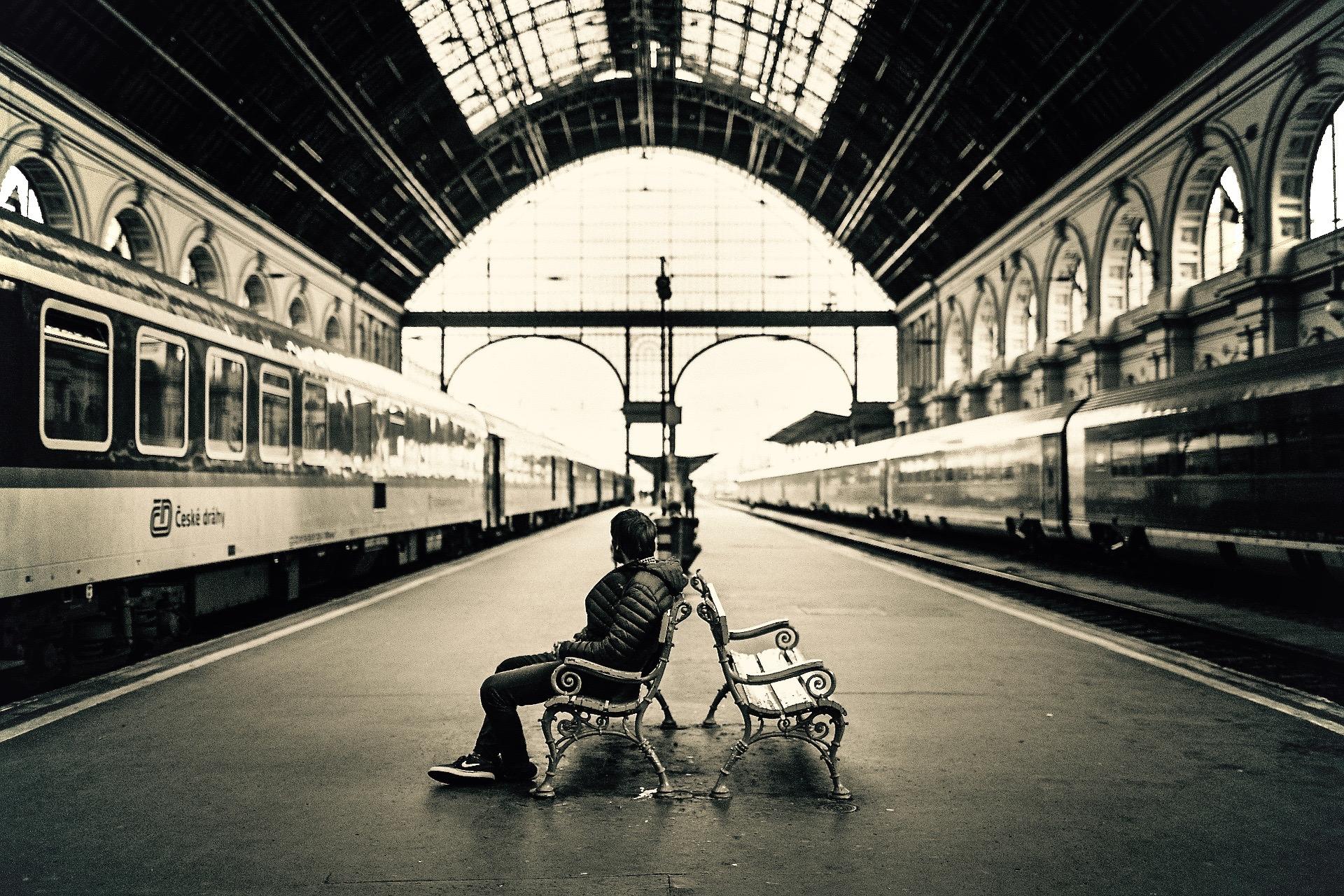 train-station-1868256_1920 (1)